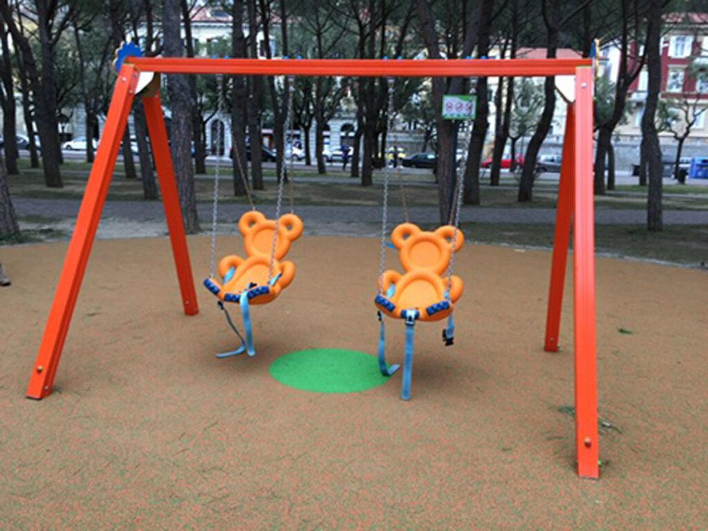 altalena-inclusive-orsetti-arancio